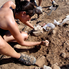 Students digging in The Sanisera Roman City