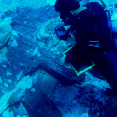 Documenting  a shipwreck in the port of Sanitja
