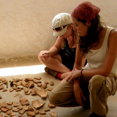 Classifying pottery remains