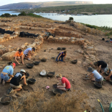 Students digging in the Roman City of Sanisera